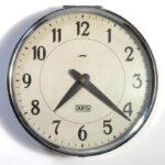AEG Clock Thumb